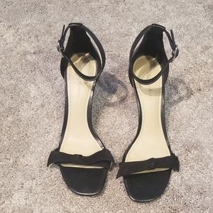 Marc fisher black heeled sandals